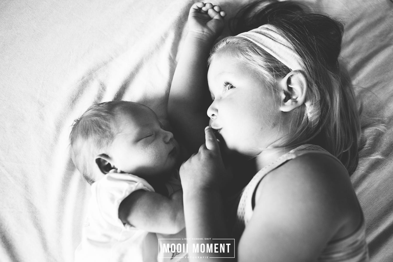 Newborn Lifestyle reportage Alkmaar .. SSSSSTTTT ze slaapt