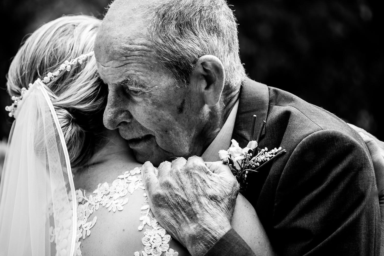 Te gekke bruiloft bij Robacher Watermolen te Hauwert
